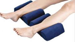 Kaksiosainen asentohoitotyyny jaloille