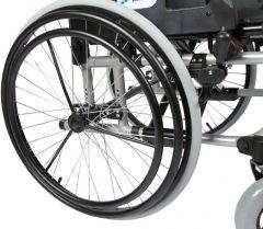 Yhden käden ohjauspyörästö pyörätuoliin