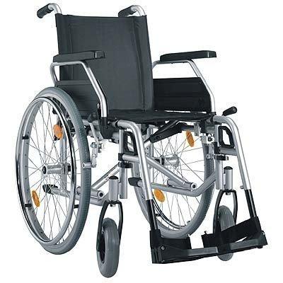 Pyörätuolin varaosat ja tarvik.