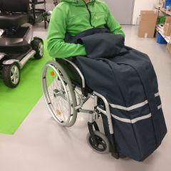 Arctic ulkoilupussi pyörätuolinkäyttäjälle